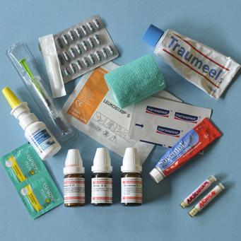 Was tun, wenn man im Urlaub krank wird? 6 wirkungsvolle Helfer in der Not - dazu eine Liste für die wichtigsten Medikamente..