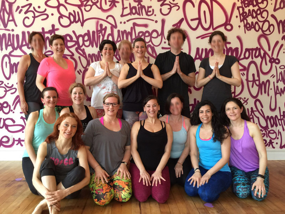 Die Hamburger Yoga-Gruppe >Mattenzauber< in New York