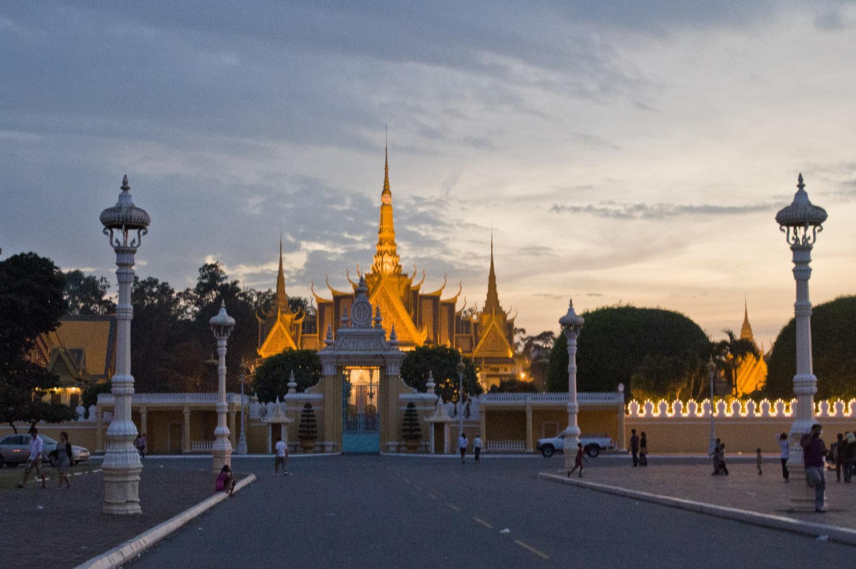 Phnom Penh - Königspalast mit Silberpagode © Regina Fischer-Cohen