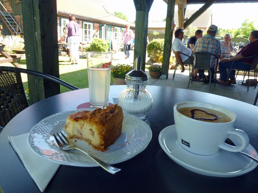 Wanderpause im Café Eisvogel in Utecht
