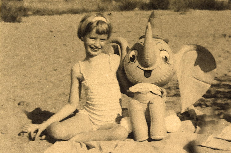 Kinderträume: ein Elefant als Spielgefährte