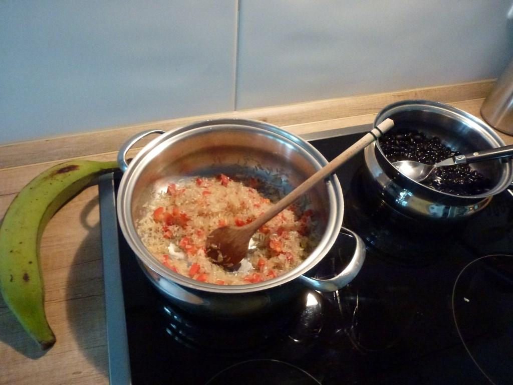 Reis und Bohnen - die Grundlage für Gallo Pinto