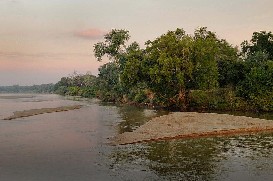 Der Limpopo als Grenzfluss im Dreiländereck